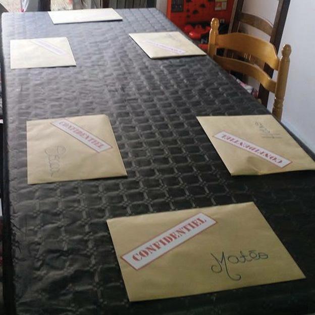 test du kit anniversaire agents secrets pour les 7 13 ans petits trognons. Black Bedroom Furniture Sets. Home Design Ideas